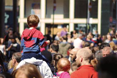 Obrázek davu lidí